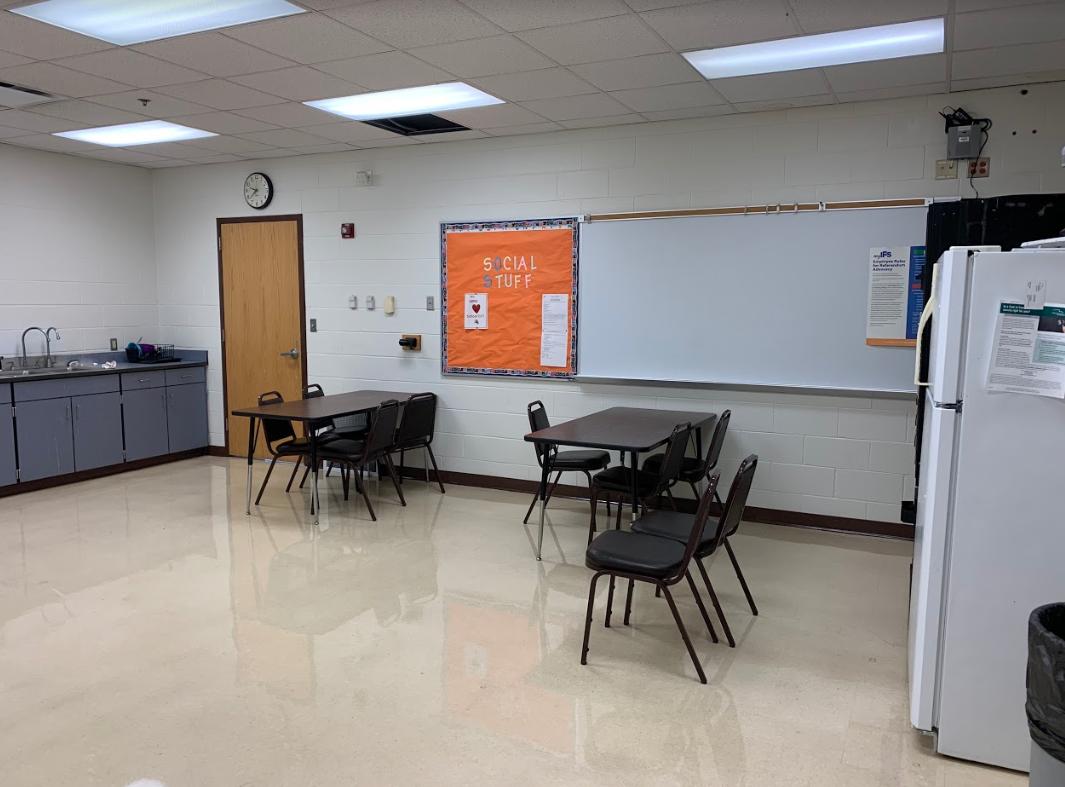 IPS school teachers lounge before renovation