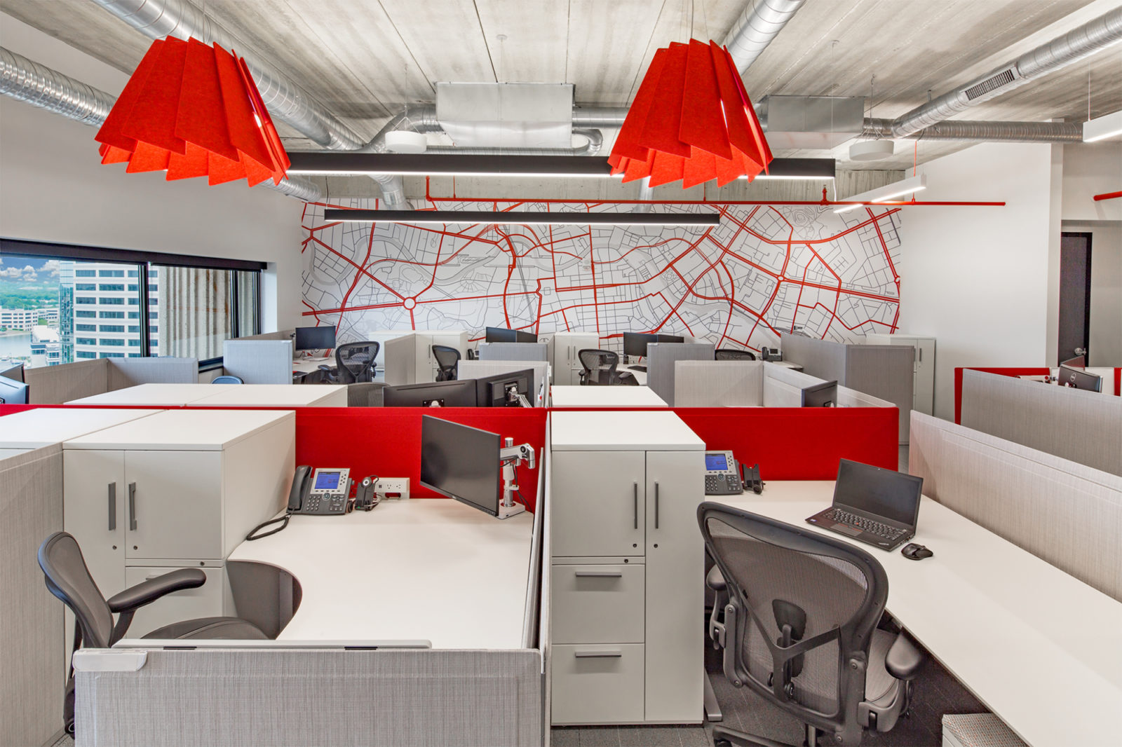 JLL Project Highlight: desk areas