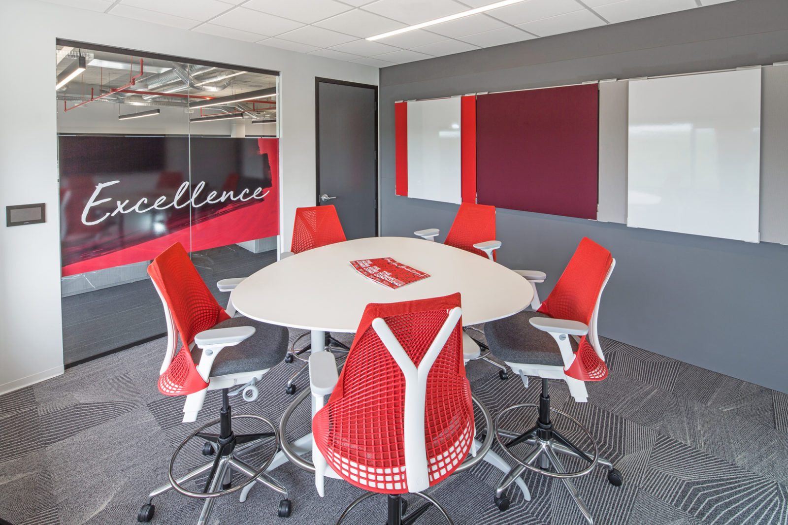 JLL Project Highlight: meeting room