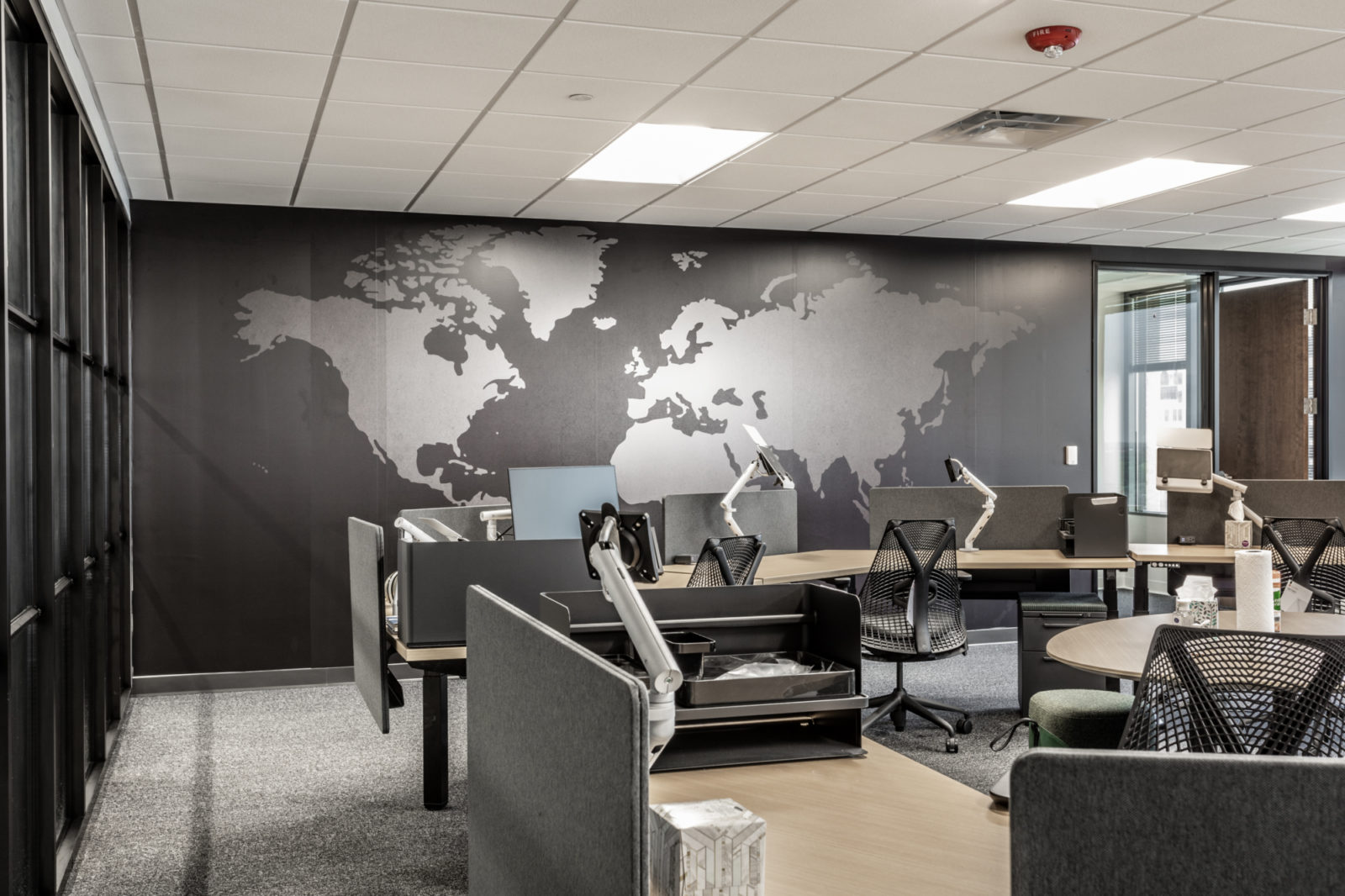 Prolific desk clusters world map on the wall