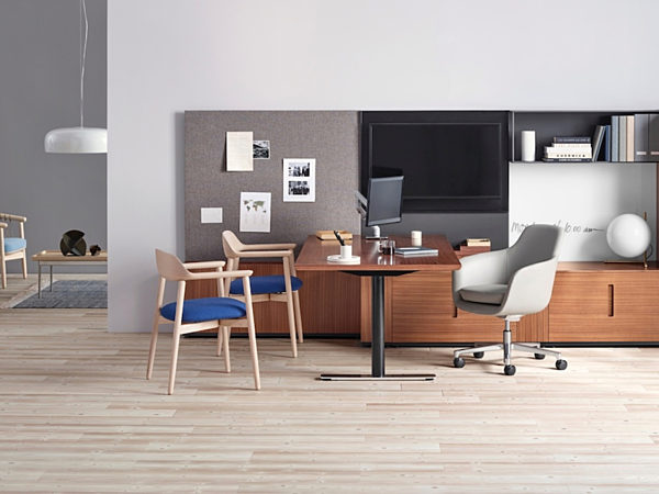 Geiger office desk and chairs