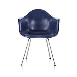 Eames Molded Fiberglass Armchair, 4-Leg Base, navy blue with silver base